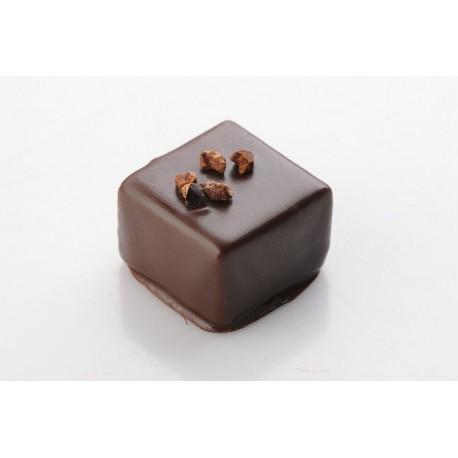 Tamna čokolada sa zrnima kakaa